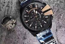 Diesel Mega Chief / Diesel Mega Chief Inspiriert von Retro-Stylings der 70er und 80er Jahre-Digital-Uhren an den künstlerisch futuristischen Look der LED-Anzeigefläche, werden sie unter Uhren trägt zu einer ganz neuen Art und Weise Ebene.