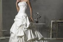 Wedding dress / by Laureh Johnson
