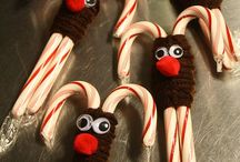 Sweet Holiday: Candy-Themed Kitchen Decorations / Keep your holiday season sweet! Sometimes you can eat the decorations, sometimes you can't!