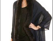 Fine-Pashmina Shawl with Trimmed Fox Fur