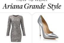 stroje naszej gwiazdy  Ariany Grande i jej filmiki i zdjęcia i też paznokcie i sukienki