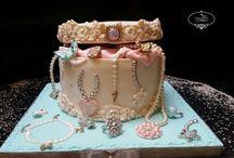 Ювелирные украшения торт