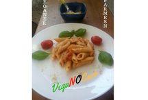 Vegane Rezepte - vegan kochen, einfach zum Veganer werden / Vegane Rezepte, Vegane Basics, Vegane Fleischalternativen, veganes Gebäck, veganer Kuchen vegane Käsealternativen, Shakes, deftige vegane Rezepte und vieles mehr findest du hier