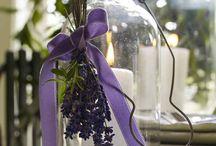 Lavendel Dekoideen für drinnen und draußen / Lavendel sieht nicht nur klasse aus und duftet herrlich. Er ist die perfekte Sommerpflanze für den Garten und Balkon, denn er vertreibt sogar lästige Mücken.