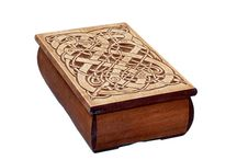 Carved boxes / This boxes are crafted from apple tree. The lid has hand carved pattern.