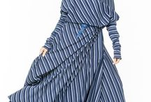 АГ_010Платье ассиметричное с карманами синие узкие «греческие» полоск