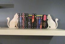 drewniane koty podporki, cats books wood