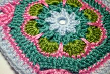 Green+ pink square / Crochet