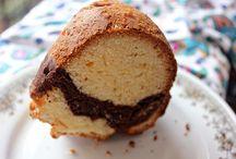 Cakes / by Avanika Kiswani