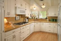 kitchen counters / by Cathi Matthews