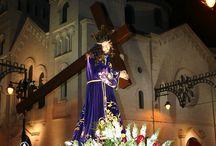 Semana Santa en Alcoy / La llegada de la primera luna llena de la primavera es la que determina cada año la celebración de la Semana Santa en Alcoy.
