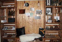 Előszoba Design kiegészítőkkel, régi faládákból / Előszoba, design kiegészítőkkel, régi faládákból Entry with wooden crates and design accessories