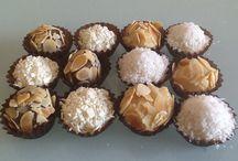 Brigadeiros Artesanais / Brigadeiros de chocolate belga branco, negro ou de leite
