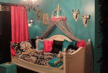bedroom ideas! / by Renelle Renee