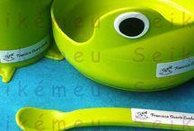 Etiquetas autocolantes personalizadas / As etiquetas autocolantes Tira-e-Cola da Seikémeu são excelentes para identificar todos os artigos não têxteis como plástico, madeira, vidro, papel, cartão, etc...