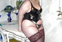 Bbw in latex/leather