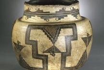 Zuni pottery / Zuni