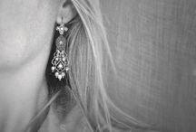 Les bijoux portés / The jewelry worn / Différents modèles et bijoux portés.