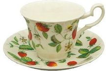 English Teapots, Tea Cups (Teacups) and Cake Stands / Beautiful Bone China Teapots, Tea Cups and Tiered Cake Stands from England