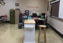 Teacher Feature / A segment at www.thesnarkyschoolteacher.com that gives you a peek inside some excellent classrooms!