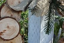 Wreaths and Door Hangers / by Tammy Thrasher