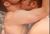 I love gay love! ;)