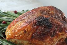 Turkey Talk: Tips & Techniques / We're sharing our top Thanksgiving tips and recipes to help make this Thanksgiving your best one yet!. We all know turkey steals the show at Thanksgiving dinner... so just how do you roast it to buttery, juicy, delicious perfection? We're talking turkey and giving this Thanksgiving superstar the limelight.