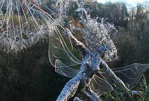 Drot szobrok-wire sculptures