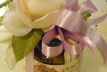 Bomboniere enogastronomiche  / Golose bomboniere di casa Bosio realizzate con prodotti tipici liguri quali olio, vino, pesto, olive taggiasche e tanto altro