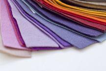 BUREL FABRIC / Tecido artesanal português, 100 % lã, de alta durabilidade e resistência. As qualidades do Burel provêm do seu particular processo de fabrico: a lã, depois de lavada e fiada, vai ao tear para ser urdida. Após a tecelagem, é colocada no pisão, uma máquina que bate e escalda a lã de modo a tornar o pano mais compacto e resistente.