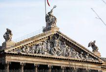 Escultura urbana / Arte esculpido en las calles de las ciudades, estatuas, edificios, ...
