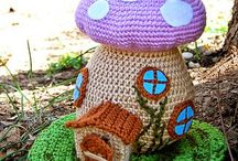 crochet fairy house - mushroom