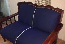 Sofa renovado / na parte da frente o estofado foi renovado, mas na parte de tras o tecido original foi mantido