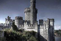 Castelos Medievais / Uma coletânea de fotos de castelos medievais.
