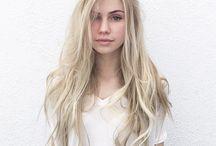 Clio Blonde