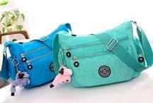 Kolekcia CASUAL / Kolekcia CASUAL je nová kolekcia výrobkov z odolného nylónu. Táto kolekcia ponúka nádherné pestré farby a štýlové prevedenia výrobkov. Každý výrobok je jedinečný a originálny. Sortiment z kolekcie CASUAL je zameraný prevažne na tašky, ruksaky, kabelky a iné. Kolekciu CASUAL tvoria výrobky vhodné na neformálne nosenie. Neváhajte a vyberte si z našej ponuky za skvelé ceny.