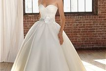 Weddings, Gowns and More / by Hope Ross