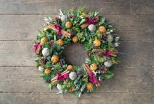 Christmas wreaths / The Christmas season is upon us: the mistletoe is up, the Christmas tree is glittering and the wreaths are hanging. Here's a selection of some of the loveliest handmade wreaths.