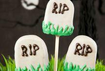 Vegan Halloween Ideas and Recipes /  Spooky vegan recipes and ideas for Halloween.