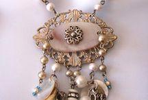 jewellery / by Linda Shulist