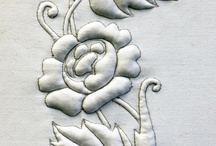 Italian Corded and Trapunto Quilting / Using lambs wood, wadding and cord to create raised surfaces in patterns on fabric