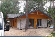 domy szkieletowe producent, domy drewniane całoroczne i letniskowe / Jako producent domów szkieletowych zajmujemy się budową drewnianych domów w technologii szkieletowej. Prowadzimy kompleksową realizację inwestycji.