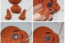 Amigurumi Teknikler / Amigurumi free pattern, tığ ve şiş kullanılarak yapılan oyuncak örme sanatının örneklerle anlatıldığı içerikleri bulabilirsiniz.