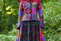 Folkloric style dressing