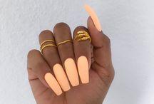 Delma nails