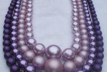 Жемчуг ~ Pearls and pearl / ...Соберу я жемчужинки жизни своей… Нанижу их на тонкую нить, Закреплю на концах — сберегу от потерь, Буду бусы в руках теребить… С сайта http://www.inpearls.ru/
