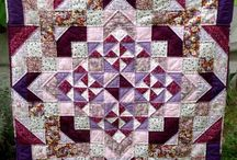 Quilt / by Hannah B