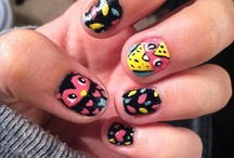Nails / Ideas to paint my nail, if only I could paint my nails! / by Mallory Birch