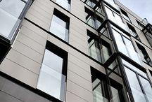 Elewacje spieki kwarcowe / Elewacje spieki kwarcowe NEOLITH stanowią doskonałe rozwiązanie dla elewacje wentylowanych, ponieważ lekkość płytek (około 12 kg/m2 w grubości 6mm) pozwalają zminimalizować podkonstrukcję zmniejszając całkowicie ciężar elewacji na budynku. Lekkość płytek ze spieków kwarcowych umożliwia również łatwy oraz szybki montaż, znacznie zmniejszając  koszty montażu elewacji.
