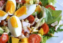 Salade met gerokte kip